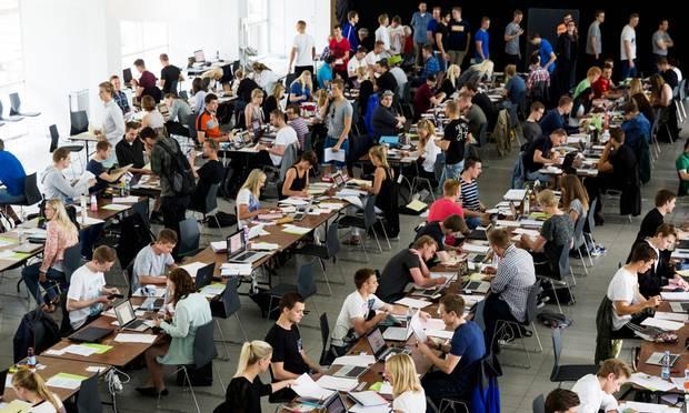 Stil højere krav til samspil mellem universiteterne og erhvervslivet