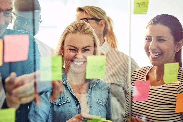 Fasthold medarbejdere og øg jobtrivslen med kompetenceafklaring